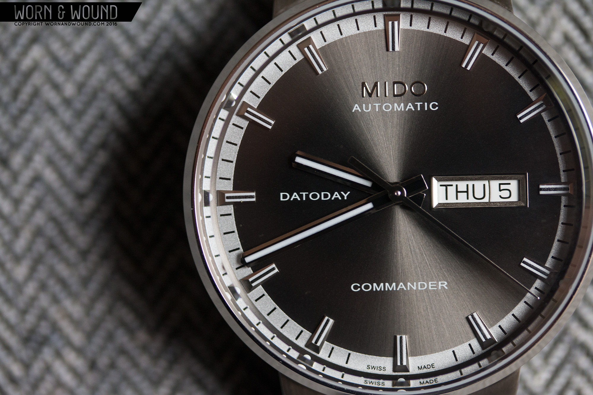mido commander chronograph